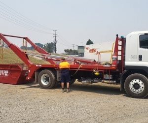 A photo of our truck delivering a skip bin in Byron Bay 2481